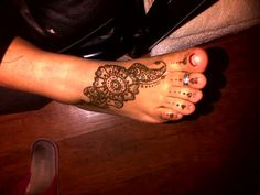 #easy #henna Simple Henna Patterns, Easy Henna, Miller Sandal, Tory Burch, Fashion, Simple Henna Designs, Moda, Fashion Styles, Fasion