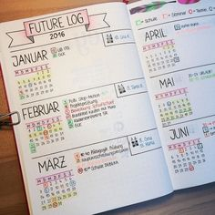 The future log in your bullet journal gives you a yearly overview of the year. See how to set up a bullet journal future log or use my free PDF pritnable. The cutest bullet journal ideas. Future Log Bullet Journal, Bullet Journal Notebook, Bullet Journal How To Start A, Bullet Journal Ideas Pages, Bullet Journal Layout, Bullet Journal Inspiration, Journal Pages, Bullet Journal Overview, Beginner Bullet Journal