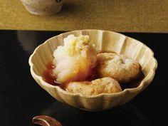 土井 善晴 さんの里芋を使った「里芋の揚げだし」。里芋のおいしさを最大限に楽しめる一品です。ふんわりとした衣に調味だしをほどよく含ませて、いただきましょう! NHK「きょうの料理」で放送された料理レシピや献立が満載。