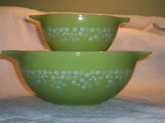 Pyrex Spring Blossom 2 443 AND 441 Mixing by thetrendykitchen, $29.00