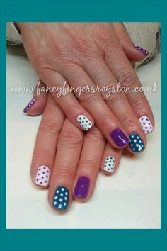 Polka dot nail art Dot Nail Art, Polka Dot Nails, Fingers, Nail Designs, Dots, Fancy, Beauty, Stitches, Nail Desings