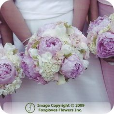 This is THE bouquet that I want to hold (the colors will be different). And then alternate between peony and hydrangea bouquets for the bridesmaids! :)