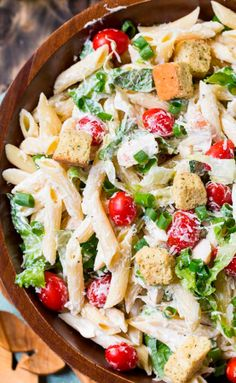 Caesar Pasta Salad has all the flavors of a Caesar salad in pasta salad form! A creamy, homemade Caesar dressing, Parmesan cheese, and delicious croutons makes up this wonderful summery salad. Chicken Caesar Pasta Salad, Pasta Salad Recipes, Caesar Salad, Salad Dishes, Seafood Salad, Chicken Pasta, Pasta Dishes, Mozzarella, Fresco