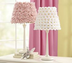 DIY Pottery Barn Flower Lamp Shades - Turning ugly old garage sale lamps in to adorable works of decorating genius? Pottery Barn Kids, Kids Lamps, Diy Home Decor, Room Decor, Flower Lamp, Diy Flower, Diy Casa, Little Girl Rooms, Lamp Shades