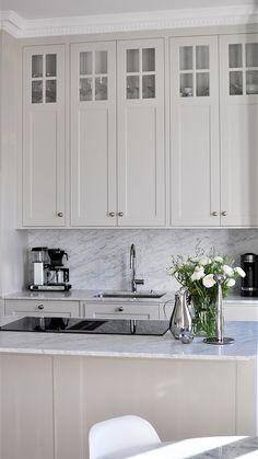 Jenny's Kitchen, Home Decor Kitchen, Kitchen Interior, Home Interior Design, Home Kitchens, Interior Decorating, Kitchen Cabinets, Country Look, Küchen Design