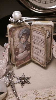 Kitty'sScrapPost: Shabby Chic Altered Domino Book
