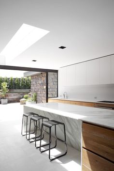"life1nmotion: ""Robson Rak Architects """