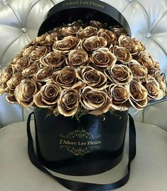 Our RIDICULOUSLY cheap holiday deals offer low deposits on loads of great value getaways. Metallic Spray, Gold Aesthetic, Luxury Flowers, Gold Flowers, Flower Boxes, Flower Designs, Flower Art, Red Roses, Planting Flowers