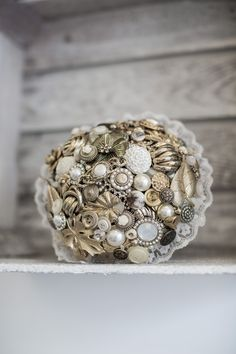 Gold brooch and button brides bouquet by WildWedDesigns on Etsy Bridal Brooch Bouquet, Brooch Bouquets, Bride Bouquets, Alternative Bouquet, Alternative Wedding, Button Bouquet, Gold Brooches, Lace Collar, Etsy Uk