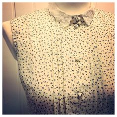 Vintage dress with pretty collar