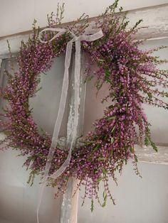 Kanerva kranssi Christmas Deco, Christmas Wreaths, Xmas, Door Wreaths, Grapevine Wreath, Fall Flowers, Wedding Flowers, Arts And Crafts For Adults, Fall Decor