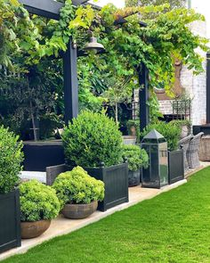 Outdoor Landscaping, Front Yard Landscaping, Backyard Patio, Country Landscaping, Back Gardens, Outdoor Gardens, Patio Design, Garden Design, Garden Deco