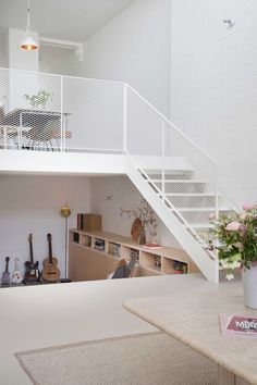 Bedroom Home Decor 36 Fun Mezzanine Design That Should Be Tried For Small Space Metal Stairs, Modern Stairs, Interior Stairs, Interior Architecture, Interior Design, Casa Patio, Balcony Railing, Minimal Home, House Stairs