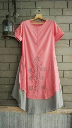 Beautiful Cotton layered kurta with embroidery. Salwar Pattern, Kurti Patterns, Tunic Pattern, Churidar Designs, Kurta Designs Women, Blouse Designs, Stylish Dress Designs, Stylish Dresses, Unique Outfits