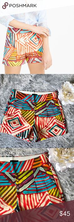 J. Crew Geo brushstroke shorts J.Crew geo brush shorts! LIKE NEW 🔥🔥 has amazing details! Not only is the print gorgeous,  but it has functional front pockets. Back pockets are not functional. Also has an invisible zipper, and small detail pleated front. Size 00. J. Crew Shorts