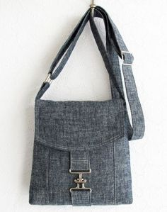 Chambray Messenger Bag by http://michellepatterns.com | Project | Sewing / Accessories | Bags & Purses | Kollabora