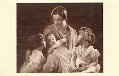 Toutes les tailles | Isabelle Countess of Paris with her children | Flickr: partage de photos!