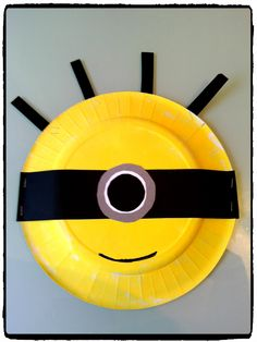 a minion on a paper plate, child's diy Diy For Kids, Crafts For Kids, Arts And Crafts, Minions, Paper Plates, Activities For Kids, Crafty, Projects, Plus Belle