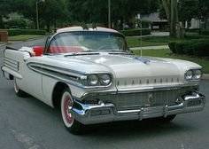 1958 Oldsmobile Super 88.