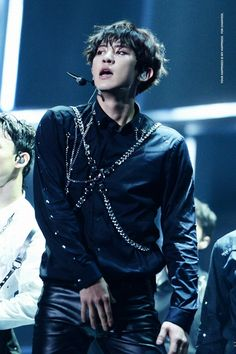 Chanyeol at MAMA 2016 Cr. To the owner, taken from @hot_pcy_pict