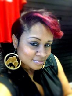 She makes Locks-4-Ever look GOOD!  Thanks for sharing Ari!  Order your ear rings today . . . www.locks-4-ever.com