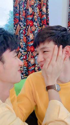 Kiss Me Again, Theory Of Love, Boy Celebrities, Cute Gay Couples, Thai Drama, Cute Actors, Best Couple, Asian Men, Pretty Boys
