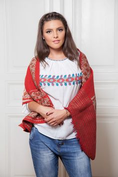#florideie #fashion #comfy #natural #autumn #style #designer #romaniandesign #handmade #embroidery #autumn End Of Summer, New Outfits, Designer, Vibrant Colors, Bell Sleeve Top, Comfy, Autumn, Embroidery, Unique