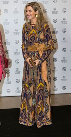 27 January Queen Maxima of The Netherlands, wearing an Etro jumpsuit, attends the opening of the Rotterdam International Film Festival on January 2016 in Rotterdam, Netherlands. Royal Fashion, Boho Fashion, Fashion Looks, Fashion Trends, Fashion Mask, Style Royal, Bohemian Print, Crown Princess Victoria, Queen Maxima