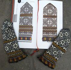 Ravelry: Vidzeme, Sigulda pattern by Maruta Grasmane Mittens Pattern, Knit Mittens, Knitted Gloves, Knitting Socks, Hand Knitting, Knitting Charts, Knitting Patterns, Yarn Bowl, Knitting Accessories