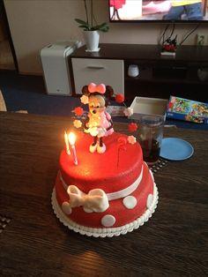 Dvoupatrový dort s Minnie