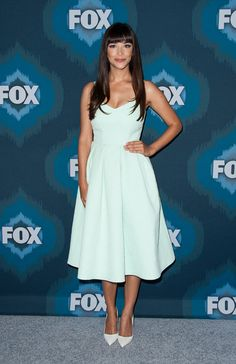 Hannah Simone Cocktail Dress - For the Fox All-Star party, Hannah Simone chose a '50s-style cocktail dress in pale mint green that was oh-so-cool on the eyes.