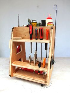 150 Most Profitable Woodworking Projects to Build and Sell ! Small Woodworking Projects, Woodworking Tools For Beginners, Diy Wooden Projects, Learn Woodworking, Woodworking Videos, Woodworking Furniture, Wooden Diy, Woodworking Plans, Wood Furniture