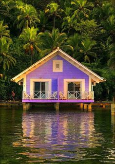 pretty, Panama