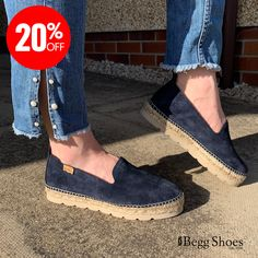 Toni Pons Aurem Navy Suede Womens Espadrilles are available in-store and online for Begg Shoes are official stockists of Toni Pons Espadrilles. Casual Summer, Summer Wear, Pons Shoes, Casual Wear, Casual Shoes, Bags 2014, Women's Espadrilles, Ladies Slips, Soft Suede