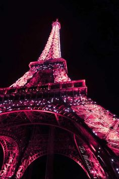 Pink Paris-can't wait to take B&C to see the Eiffel Tower all lit up Tour Eiffel, Torre Eiffel Paris, Eiffel Tower Lights, I Love Paris, Paris Paris, Paris City, Everything Pink, Pink Aesthetic, Aesthetic Movies