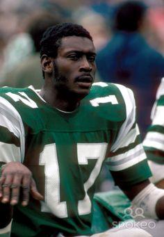 harold carmichael football card | Harold Carmichael of the Philadelphia Eagles during the 1974 Season.
