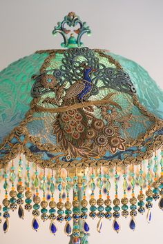 Nightshades Victorian Lampshade Jardin Marjorelle Peacock Lamp - All For House İdeas Victorian Lamps, Antique Lamps, Vintage Lamps, Victorian Lamp Shades, Peacock Decor, Peacock Design, Peacock Room, Style Boudoir, Tiffany Lamps