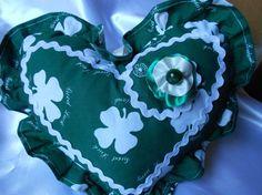 """coeur déco tissu """"irlande"""" avec volant,  à poser ou suspendre"""