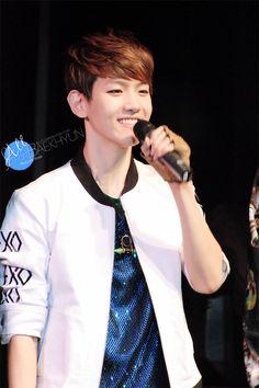 12.04.01 EXO Showcase in Beijing (Cr: all for baekhyun: allforbaekhyun.com)
