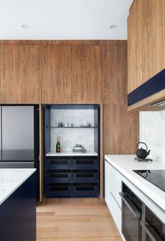 Modern kitchen renovation with timber cabinetry, silver and grey herringbone tiles and navy accents. #kitchens #modernkitchens #statementpendant Modern Kitchen Renovation, Kitchen Interior, Home Renovation, Ikea Kitchen Design, Kitchen Designs, Timeless Kitchen, Pinterest Home, Kitchen Trends, Kitchen Ideas