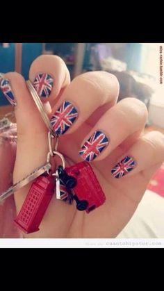 London nails :3