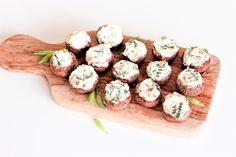 Recept na rychlé žampiony plněné ricottou s medvědím česnekem a vlašskými ořechy