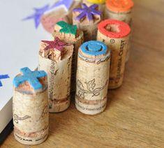 DIY: stamps made out of cork. [ From: http://www.flairathome.nl/zelfmaken/diy-zelfgemaakte-stempel ]