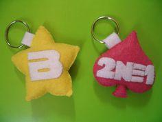 Kpop BigBang/2NE1 Keychain Felt by TuttoBroches on Etsy, €5.00