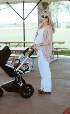 strolling time & Maxi-Cosi - Quinny Stroller - Ideas of Quinny Stroller - strolling time & Maxi-Cosi Stylish Maternity, Maternity Wear, Maternity Fashion, Maternity Style, Maternity Tops, Pregnancy Looks, Pregnancy Outfits, Pregnancy Style, Pregnancy Wear