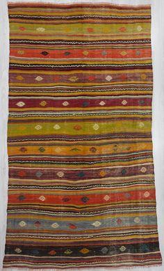 Handwoven striped kilim rug from denizli region of Turkey. In good condition Rare find, Unique handmade item. White Carpet, Diy Carpet, Boho Living Room, Living Rooms, Carpet Stairs, Carpet Colors, Favim, Kilim Rugs, Living Room Designs