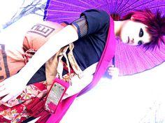 Gorgeous Gaara cosplay.
