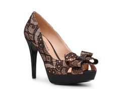 Audrey Brooke Darcy Lace Pump