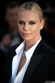 Шарлиз Терон | Charlize Theron | Official Group