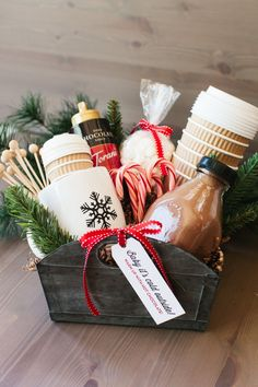 A Homemade Christmas Gift: Hot Cocoa Gift Basket - Diy Christmas Baskets, Easy Diy Christmas Gifts, Easy Gifts, Holiday Gifts, Holiday Gift Baskets, Christmas Hamper Ideas Homemade, Hostess Gifts, Christmas Gift Boxes, Family Christmas